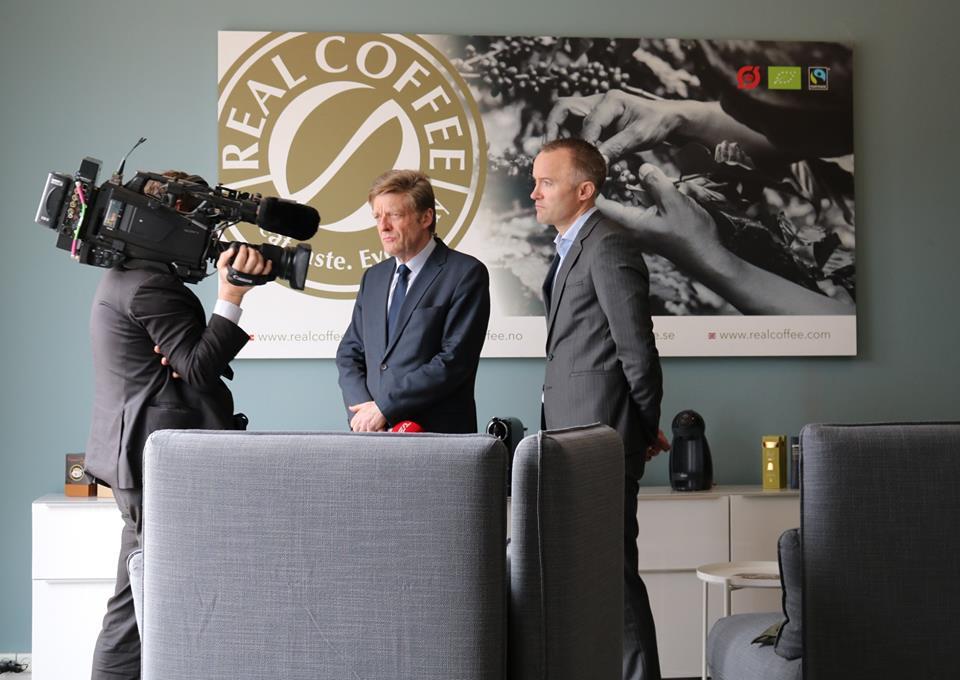 TV2 News på besøg i Holte hos Real Coffee.